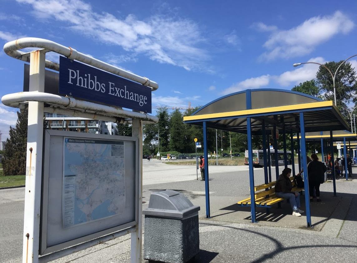 ファクトリーアウトレットへのルート「Phibbs Exchangeバス停」