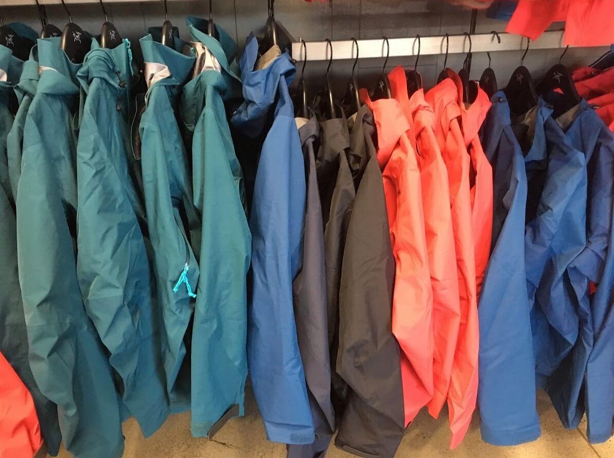 アークテリクスのレディースのジャケット類