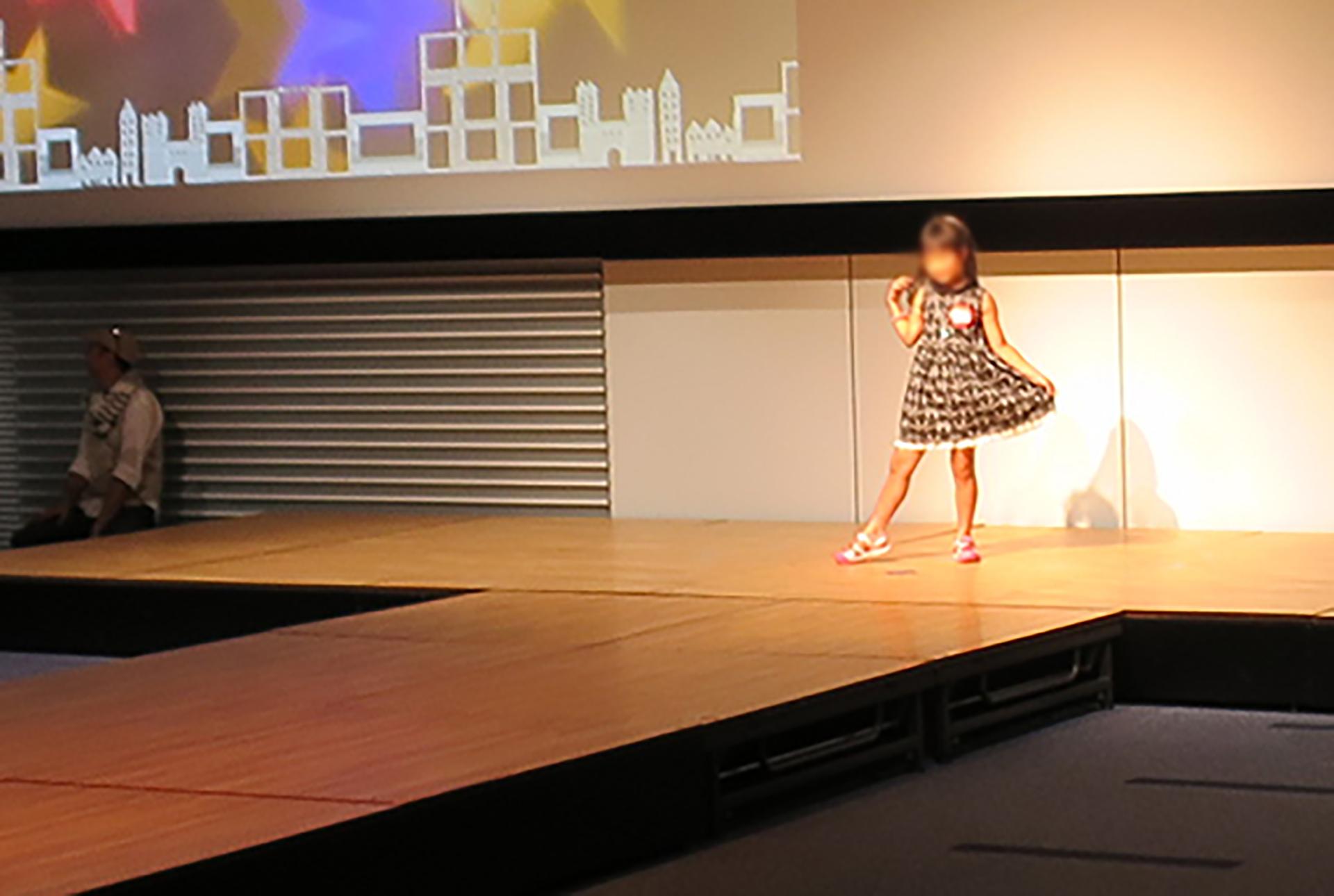 この写真はキヤノンショールームサマーイベント2019のファッションモデル体験の様子です
