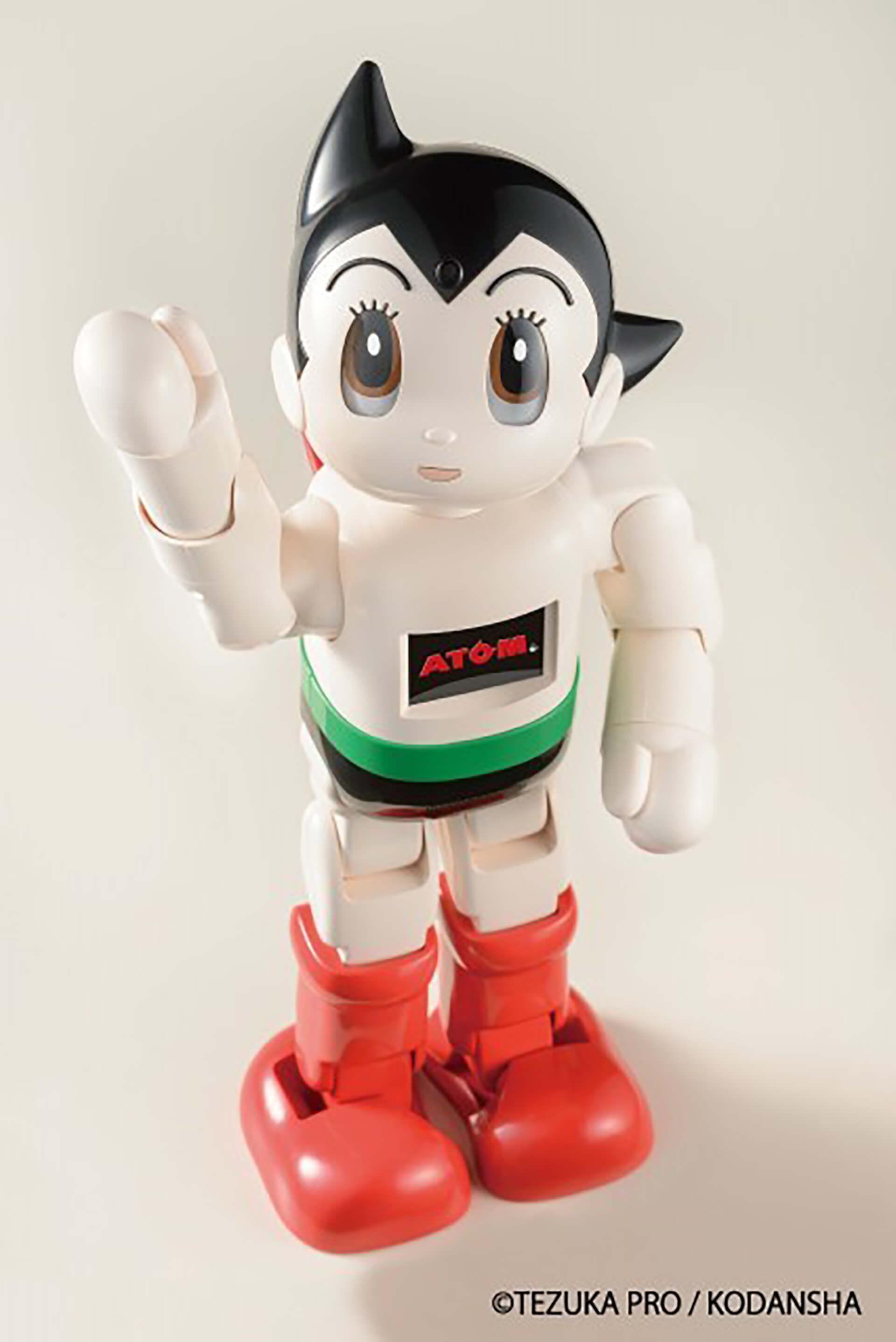 この写真はアトム堂本舗で販売される講談社開発のAIアトムロボです