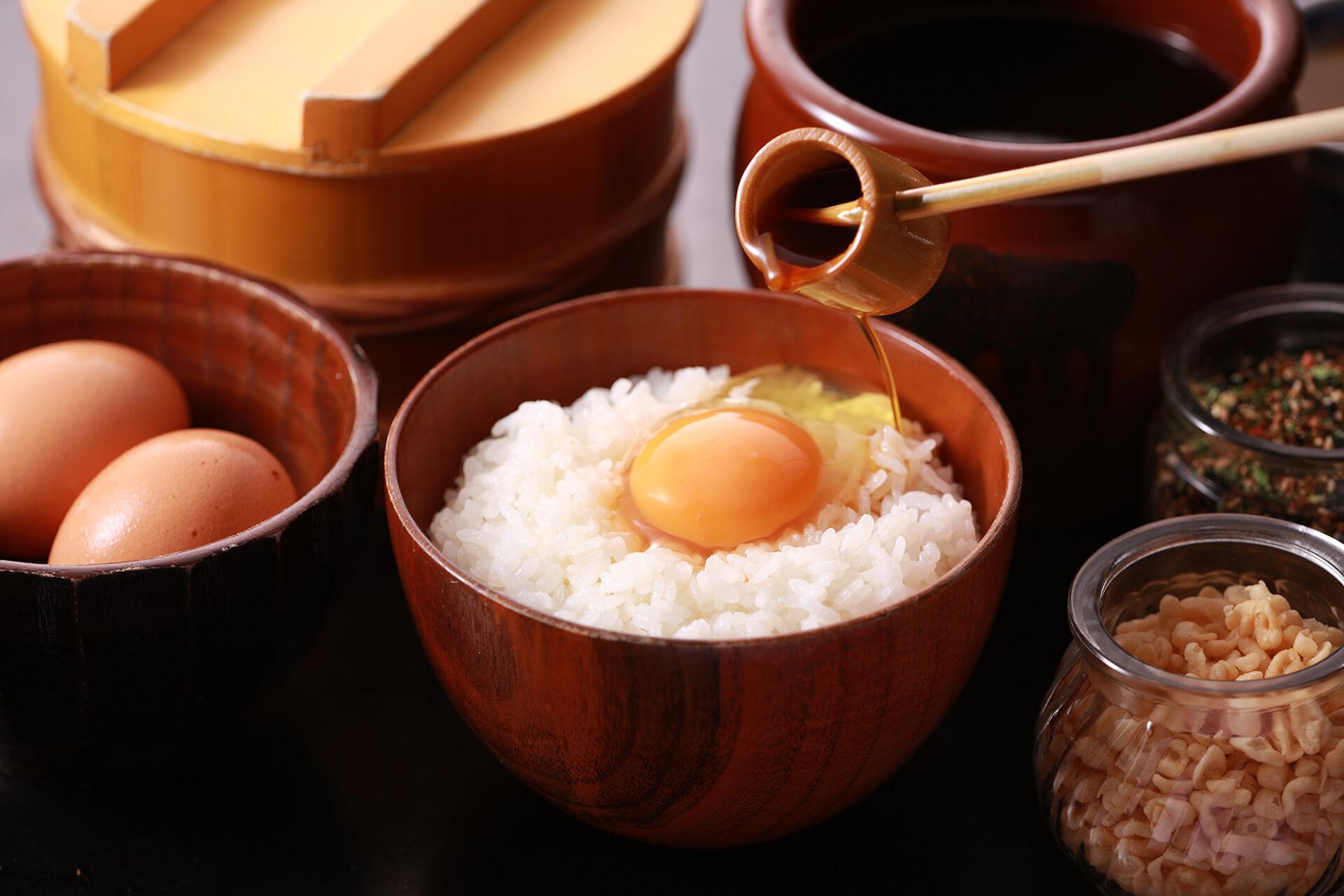 この写真は、東急百貨店吉祥寺店3階で開催される『卵かけご飯』イベントのイメージ。提供されるたまごかけご飯の様子です