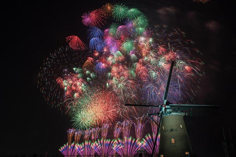 この写真は、佐倉花火フェスタ2019のメインビジュアル。圧巻のビッグプレミアムスターマインと呼ぶ花火です
