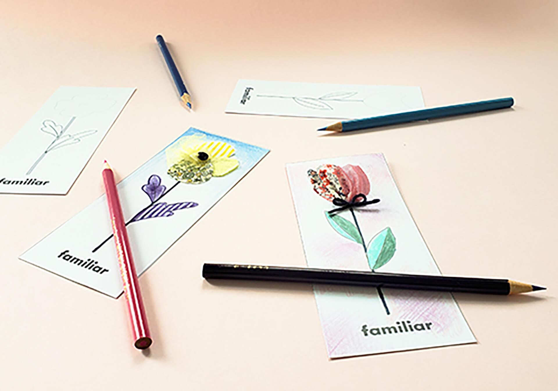 この写真は「こどもてんらんかい」のワークショップ・お花のグリーティングカード