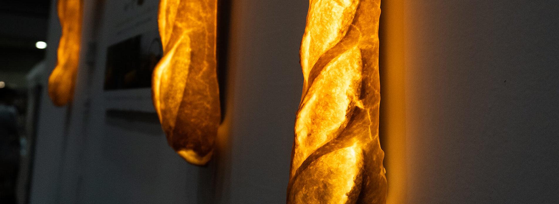 この写真はハンドメイドインジャパンに出展していたパンのオブジェ