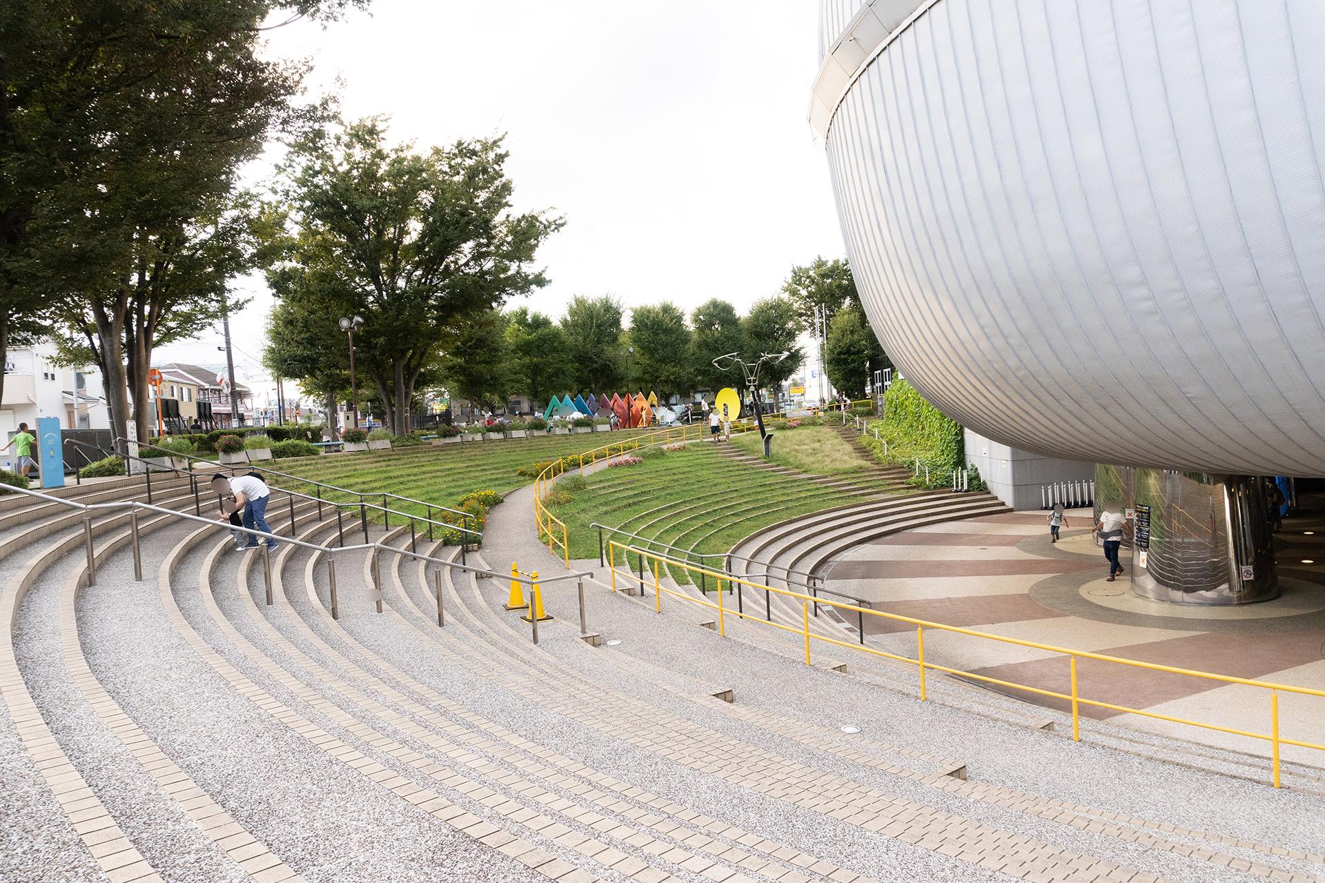 多摩六都科学館階段