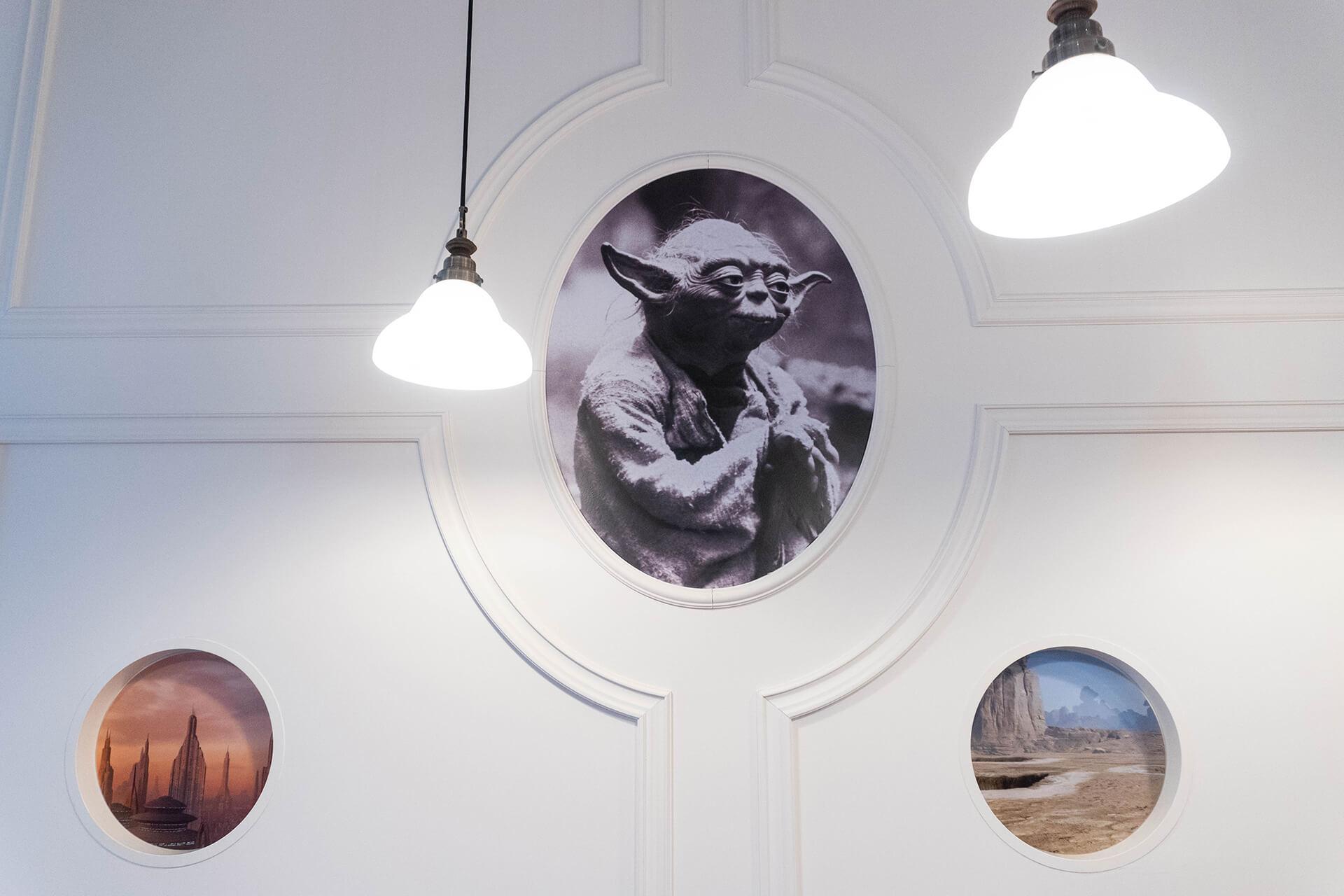 スターウォーズオーマイカフェ壁