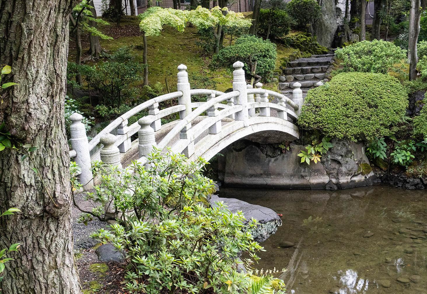 旧安田庭園・太鼓橋