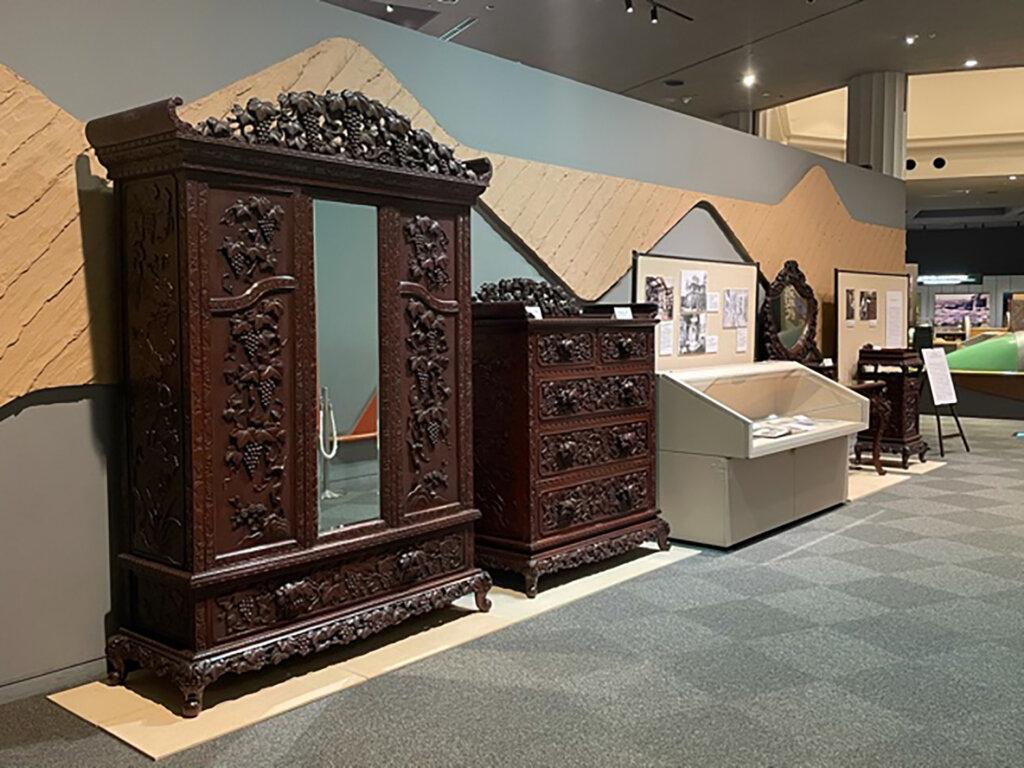 横浜彫刻家具~Yokohama furniture~